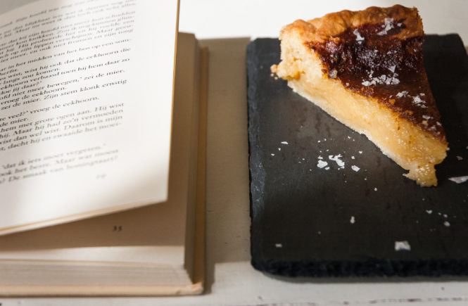 Honingtaart - Books & Bourbon